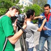 Producţia Filmului de promovare al UOC, anul 2010, Promoţia 2008-2011 (în imagine: Valentin Vanghelescu, Bogdan Măxineanu şi Alexandru Carataş)