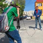 Producţia Filmului de promovare al UOC, anul 2010, Promoţia 2008-2011 (în imagine: Bogdan Măxineanu şi Alexandru Carataş)